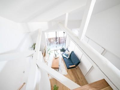 吹き抜け (天井裏のスペースを部屋に取り込む戸建てリノベーション)