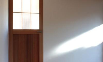 日本家屋の平屋をアンティークにリノベ(信楽の家リノベーション) (玄関)
