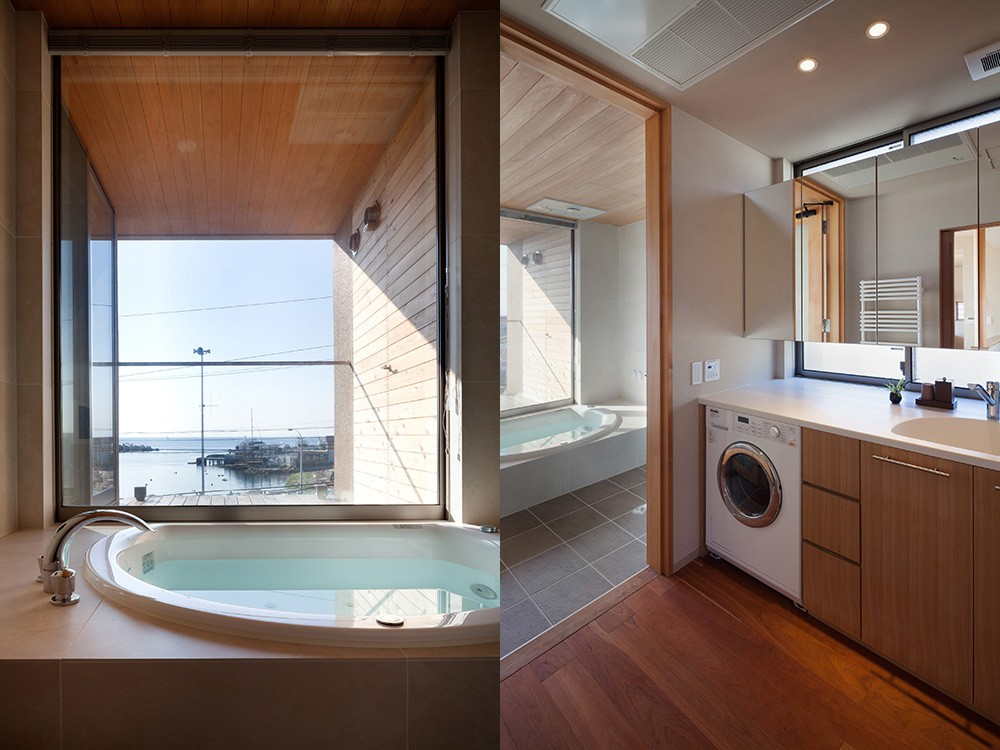 荒崎週末住居〜海・夕陽・富士山を望む家〜 (浴室と洗面室)