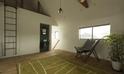 フリールーム|グランピングリゾートのような軒下のある家(甲南の家)