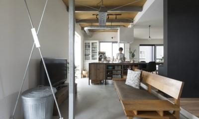 キッチンをLDKの中心に家族が繋がる家(野洲の家リノベーション) (リビングダイニング)