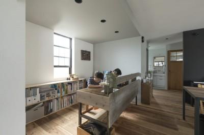 子供部屋 (キッチンをLDKの中心に家族が繋がる家(野洲の家リノベーション))