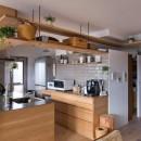 猫と植栽と家具をテーマにしたマンションリノベ(におの浜マンションリノベーション)の写真 キッチン