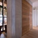 猫と植栽と家具をテーマにしたマンションリノベ(におの浜マンションリノベーション)の写真 廊下