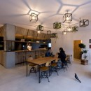 アイアンフレームを使ったオシャレなカフェ(cafe CICERO)の写真 内装