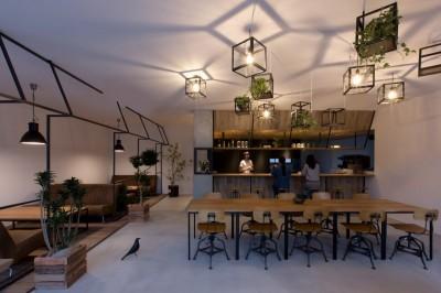 内装 (アイアンフレームを使ったオシャレなカフェ(cafe CICERO))