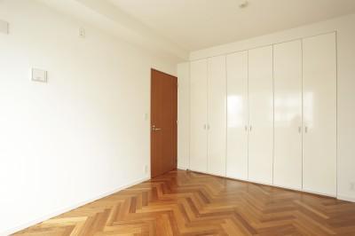 寝室 (イタリアン・カントリーが心地よい家)