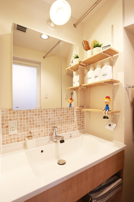 洗面室 (好きなモノに囲まれて暮らす~ナチュラルテイストな家)
