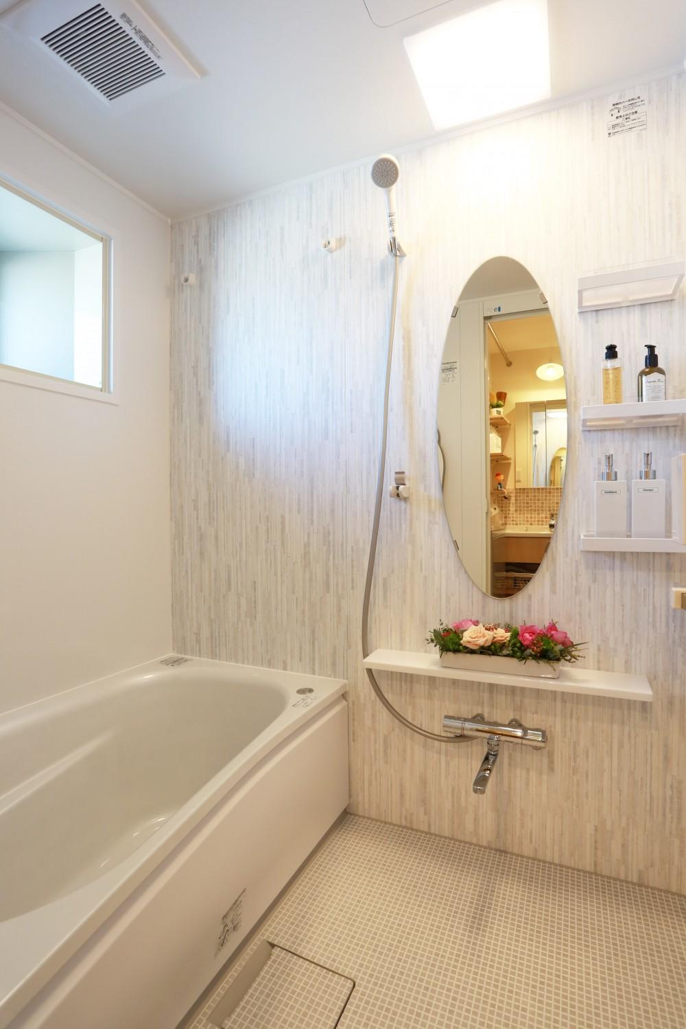 好きなモノに囲まれて暮らす~ナチュラルテイストな家 (浴室)