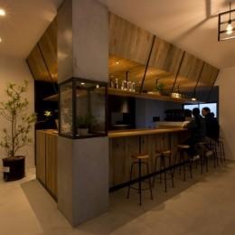 アイアンフレームを使ったオシャレなカフェ(cafe CICERO) (店内)