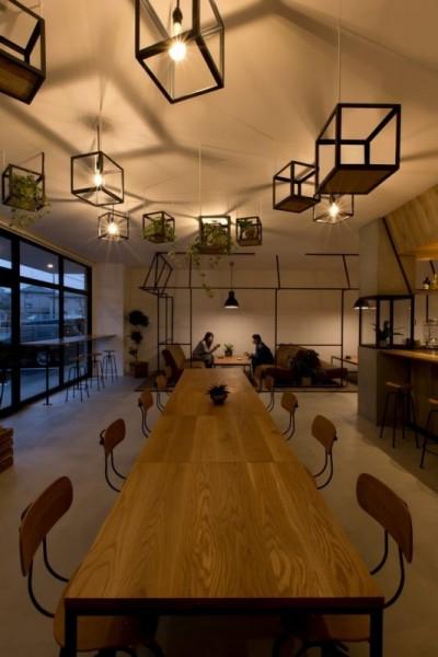 客席 (アイアンフレームを使ったオシャレなカフェ(cafe CICERO))