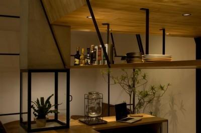 収納 (アイアンフレームを使ったオシャレなカフェ(cafe CICERO))