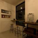アイアンフレームを使ったオシャレなカフェ(cafe CICERO)の写真 客席