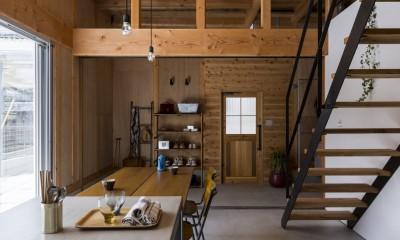リビングダイニング|倉庫をリノベーションしたかのような新築の家(石部の家)