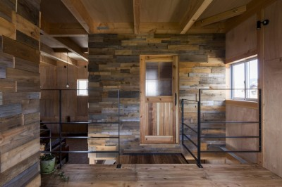 二階 (倉庫をリノベーションしたかのような新築の家(石部の家))