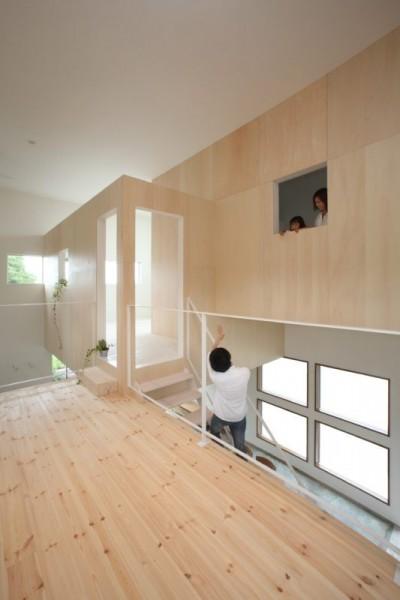 二階 (家の中に家がある多様な広がりのある家(安土の家))