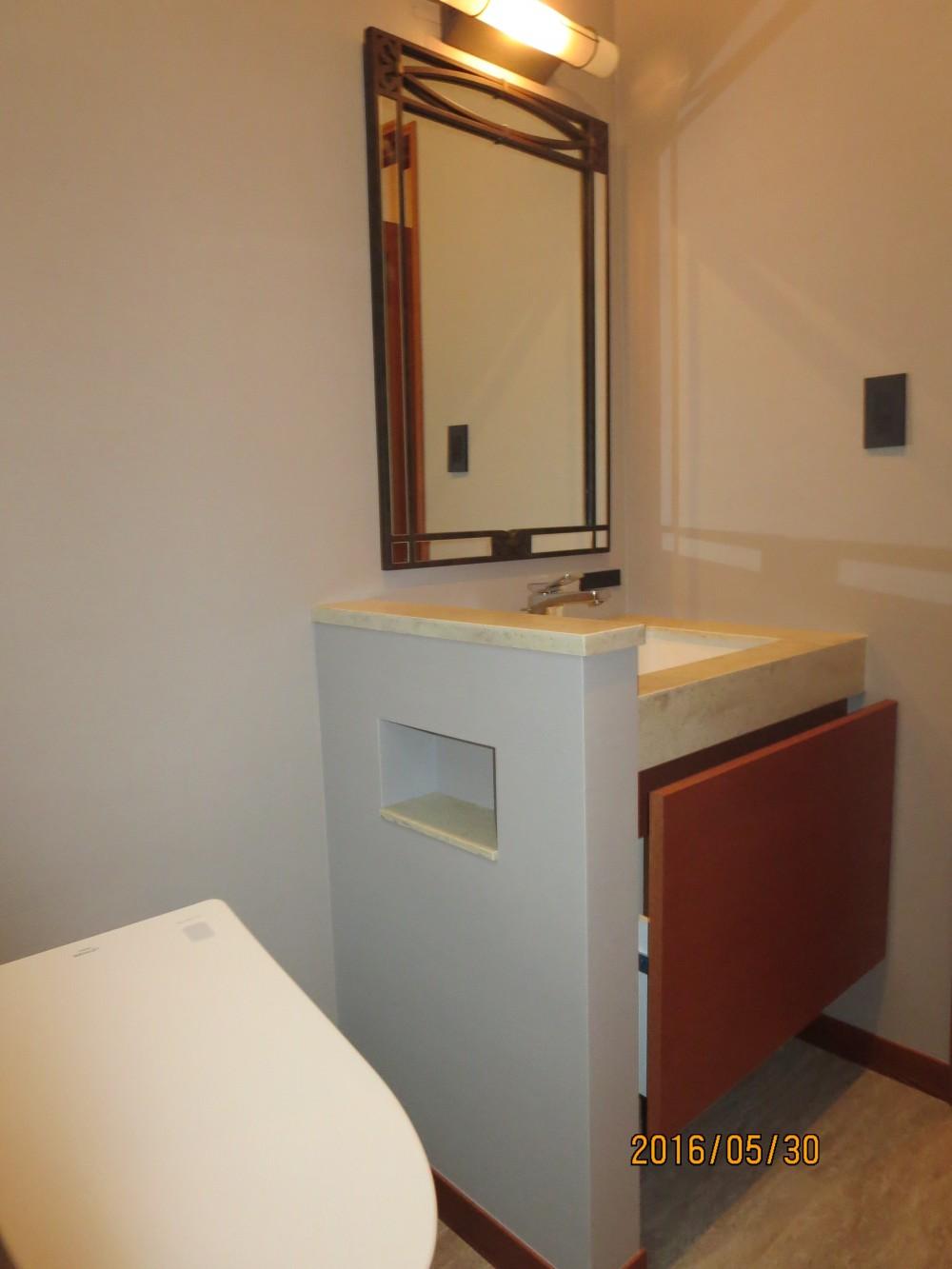 リゾートホテルライクなトイレ空間 (トイレ空間)