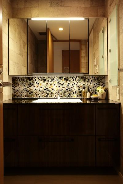 洗面室 (モザイクタイルが魅せるアーバンスペース)