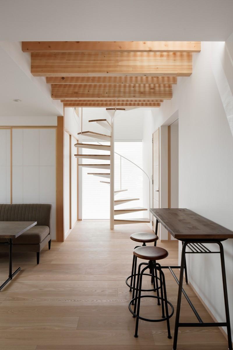 056平塚Kさんの家 (らせん階段)