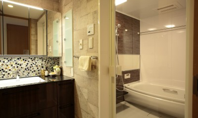 モザイクタイルが魅せるアーバンスペース (浴室、洗面室)