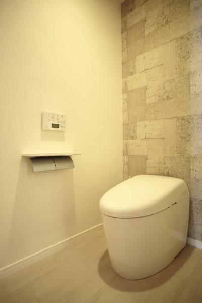 トイレ (モザイクタイルが魅せるアーバンスペース)