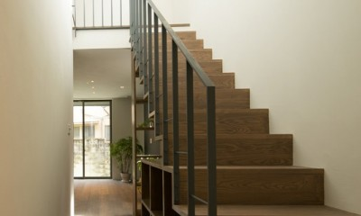 望月居 (階段ホール)
