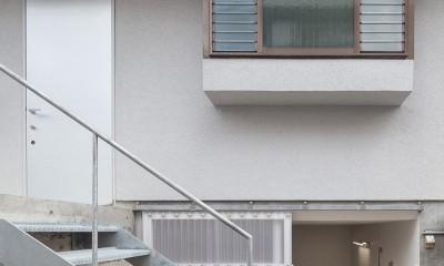 宮の坂の住宅 (玄関アプローチ)