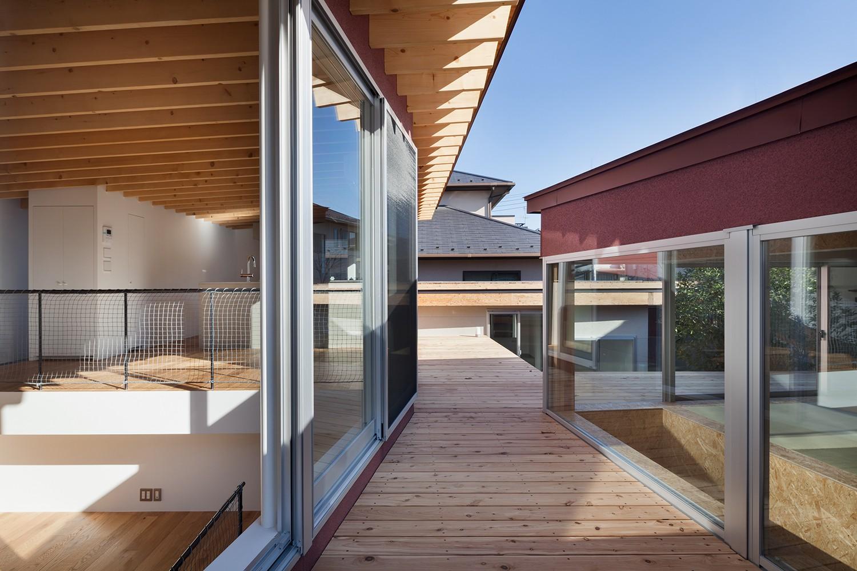 アウトドア事例:デッキ空間(屋根)(荻窪の住宅)