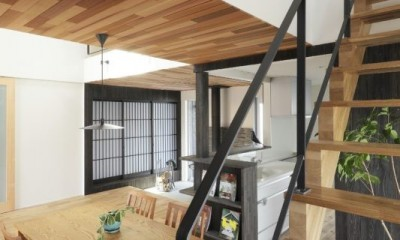 階段|薪ストーブのある三角屋根の暮らしを楽しむ家(末広の家)