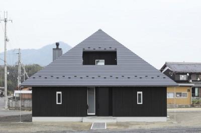 外観 (薪ストーブのある三角屋根の暮らしを楽しむ家(末広の家))