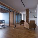 片側採光のテナントの光をふんだんに取り入れたオフィスリノベ(草津のオフィス)の写真 内装