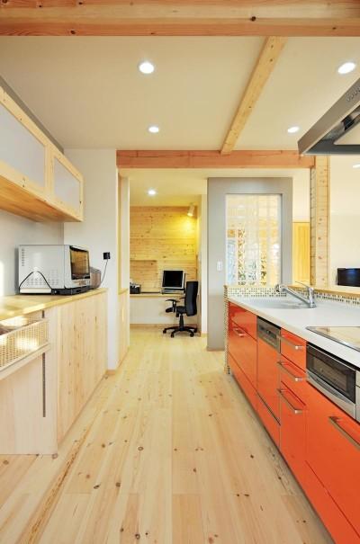 キッチン (大胆な間取り変更で二世帯住宅問題を解決)