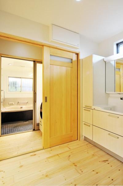 お風呂・洗面所 (大胆な間取り変更で二世帯住宅問題を解決)