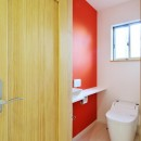 大胆な間取り変更で二世帯住宅問題を解決の写真 トイレ