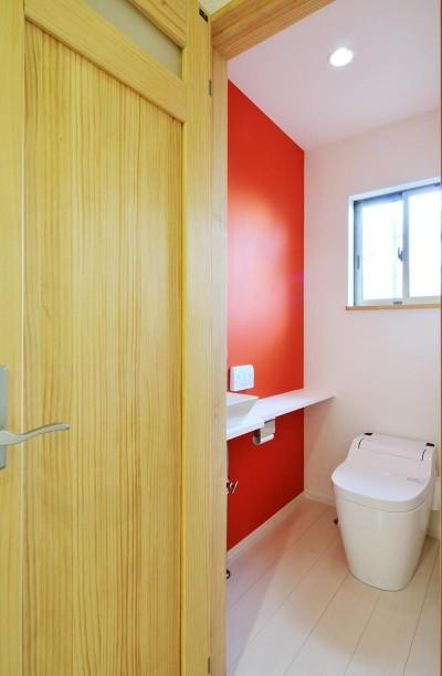 トイレ (大胆な間取り変更で二世帯住宅問題を解決)