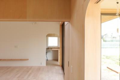 休耕地の家|仏間/広間/寝室 (休耕地に建つ女性のための住宅)