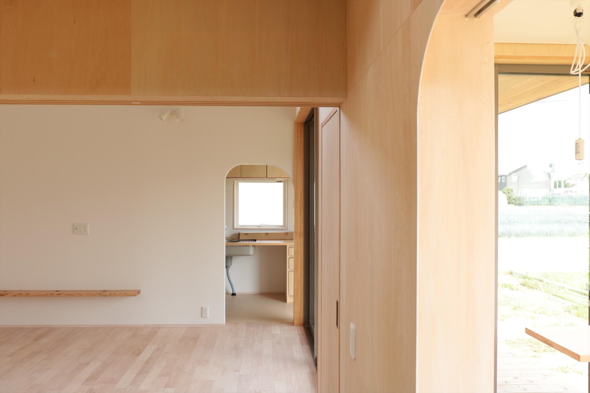 子供部屋事例:休耕地の家|仏間/広間/寝室(休耕地に建つ女性のための住宅)