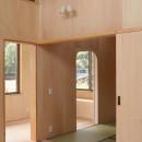 休耕地に建つ女性のための住宅の写真 休耕地の家|建具4