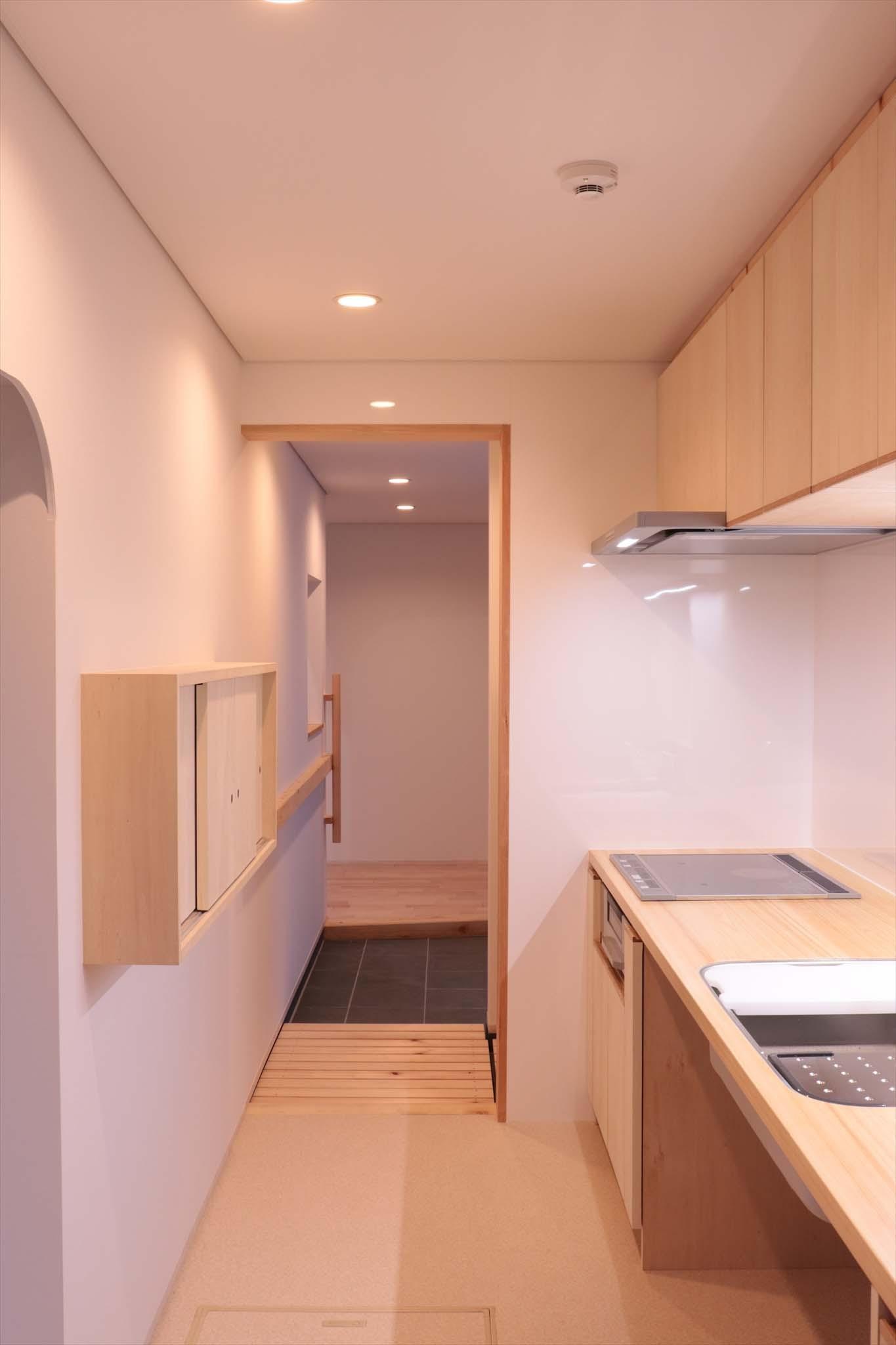 キッチン事例:休耕地の家|キッチン3(休耕地に建つ女性のための住宅)
