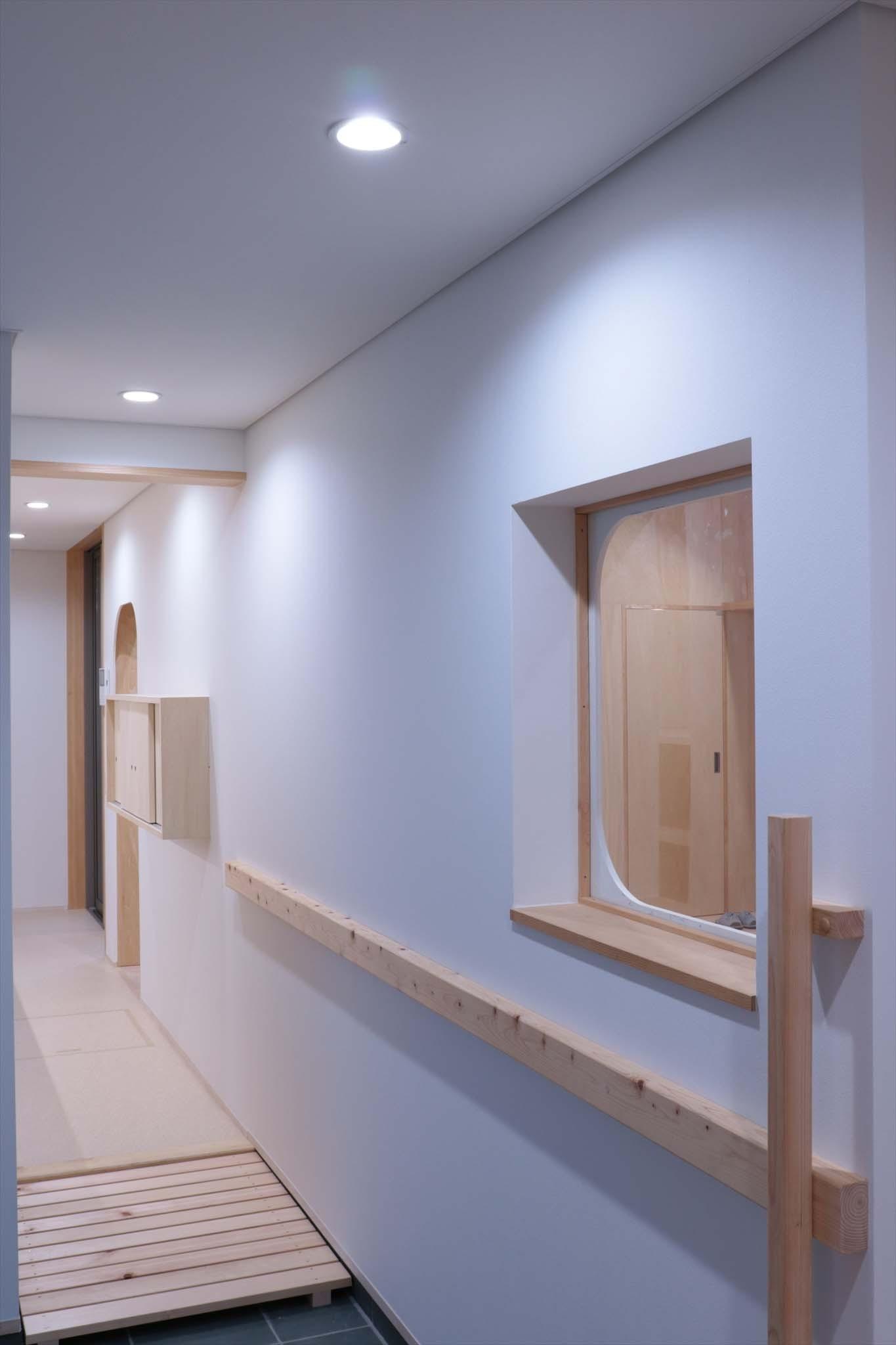 玄関事例:休耕地の家|玄関2(休耕地に建つ女性のための住宅)