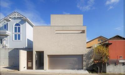 名古屋市N邸~高低差がある敷地のガレージハウス (外観)