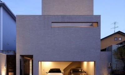 名古屋市N邸~高低差がある敷地のガレージハウス (外観夜景)