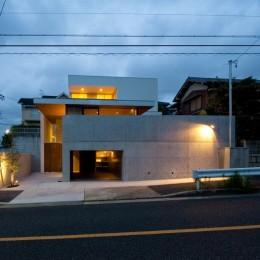 名古屋市T邸~混構造のガレージハウス (外観夜景)