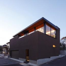 名古屋市S邸~ラグジュアリーなLDK空間があるガレージハウス (外観(南側夜景))