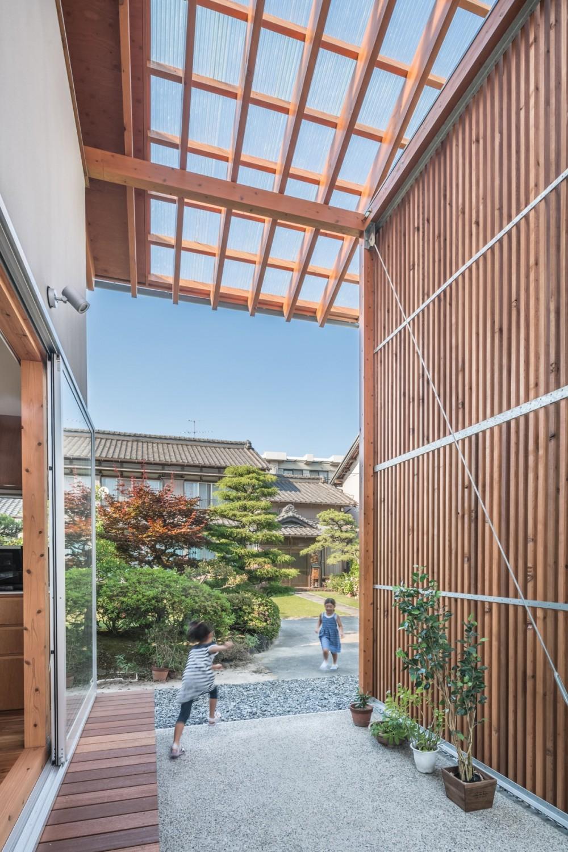 小田井の住宅 (通りみち)
