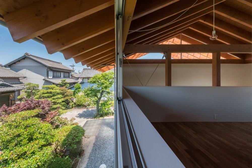 小田井の住宅 (室-1より外を見る)