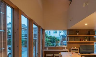 小田井の住宅 (ダイニングと吹抜)