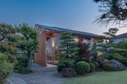 小田井の住宅 (北東側夜景)