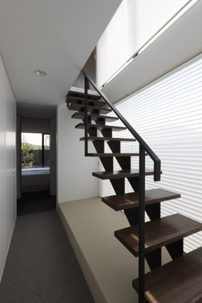 スチール製のスケルトン階段 (名古屋市H邸~STEP HOUSE)