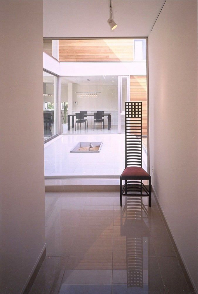 寺下 浩「岡崎市O邸~水盤と花火が見えるテラスがある開放感あふれる住宅」